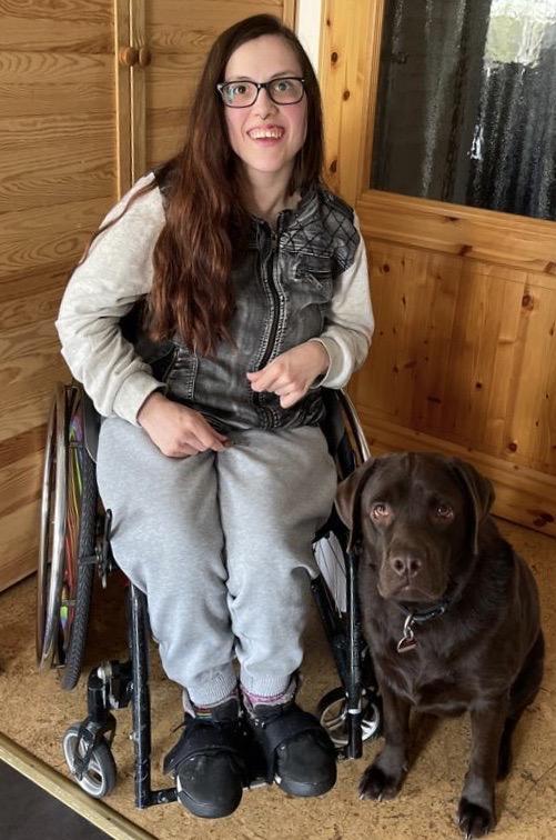 Nina mit ihrem Hund Sam