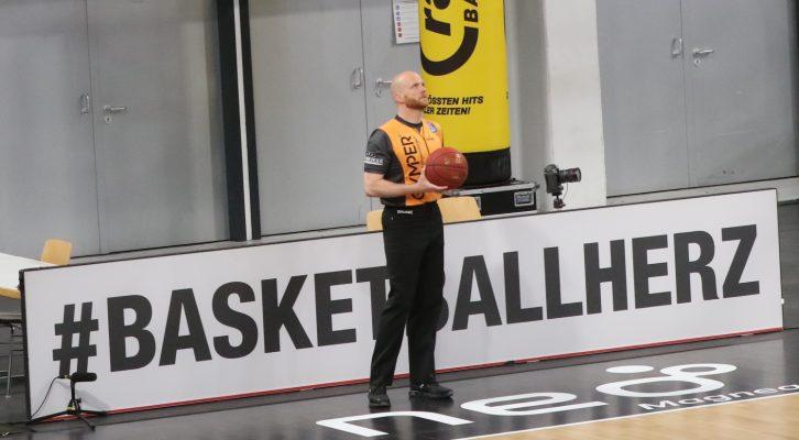 Referee mit Herz: Benjamin Barth aus München.