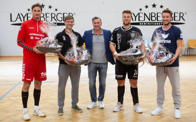 Die Mannschaftskapitäne beim Layenberger Cup mit Geschäftsführer Thomas Feierabend.