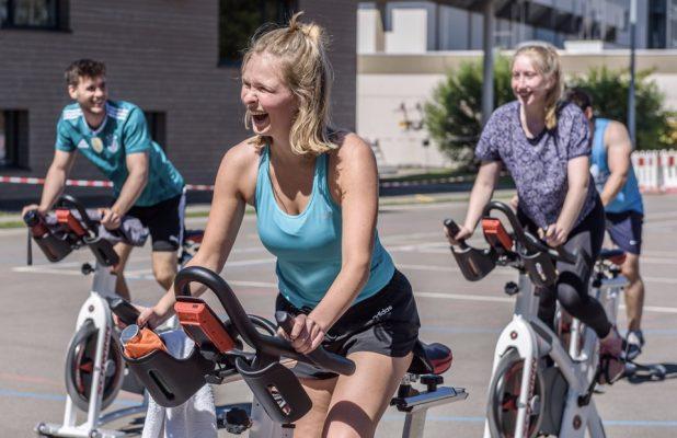Training unter freiem Himmel und mit viel Spaß auf dem Spinningrad.