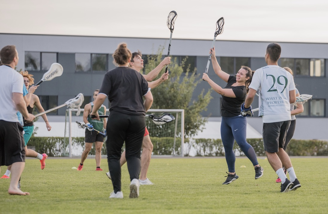 Lacrosse ist die neueste Sportart im Programm der Uni Kaiserslautern.